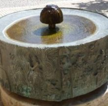 Wemdinger Stadtring in 3D zeigt Mangoldbrunnen auf dem Vorplatz der Stadtpfarrkirche